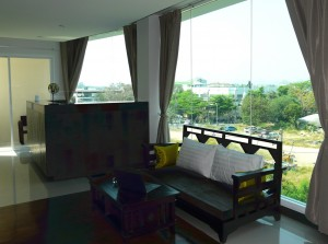 chiang mai hotel suite seating area
